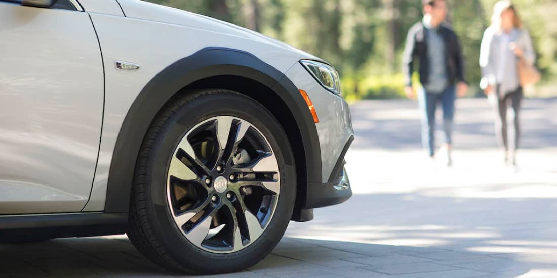 "2019 Buick Regal TourX 18"" Front Aluminum Wheel"