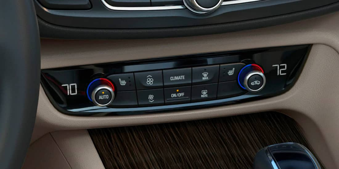 2019 Buick Regal TourX Dual-Zone Climate Control