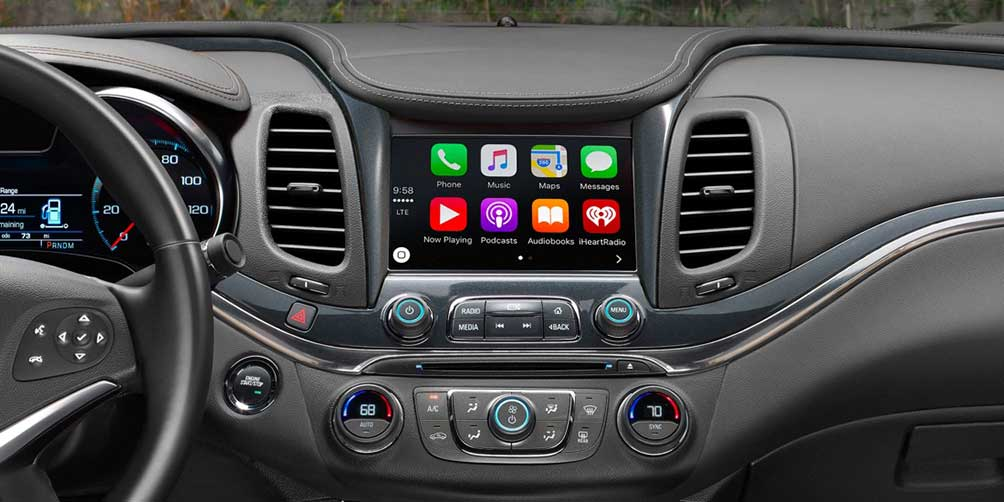 Dashboard with CarPlay