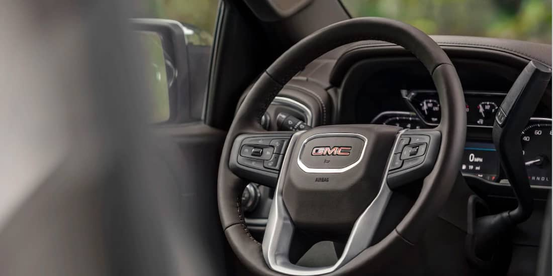 Sierra 1500 Driver Focused Details (steering wheel and dash)