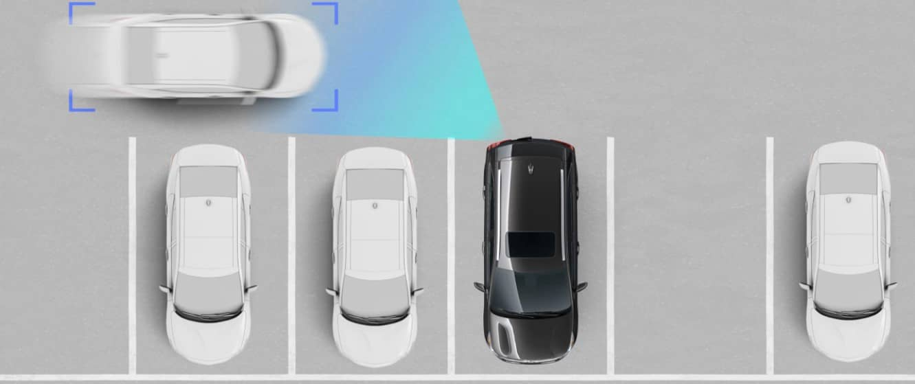 Rear Cross-Traffic Collision Avoidance Graphic