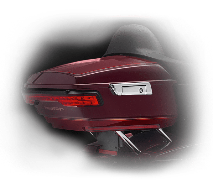 https://65e81151f52e248c552b-fe74cd567ea2f1228f846834bd67571e.ssl.cf1.rackcdn.com/TMC/2017/electra-glide-ultra-classic/features/control/tour-pak-carrier-design-hd-kf203-large.png