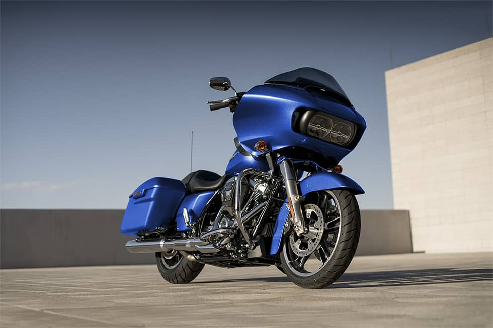 https://65e81151f52e248c552b-fe74cd567ea2f1228f846834bd67571e.ssl.cf1.rackcdn.com/TMC/2017/road-glide-special/gallery/17-hd-road-glide-special-4-large.jpg