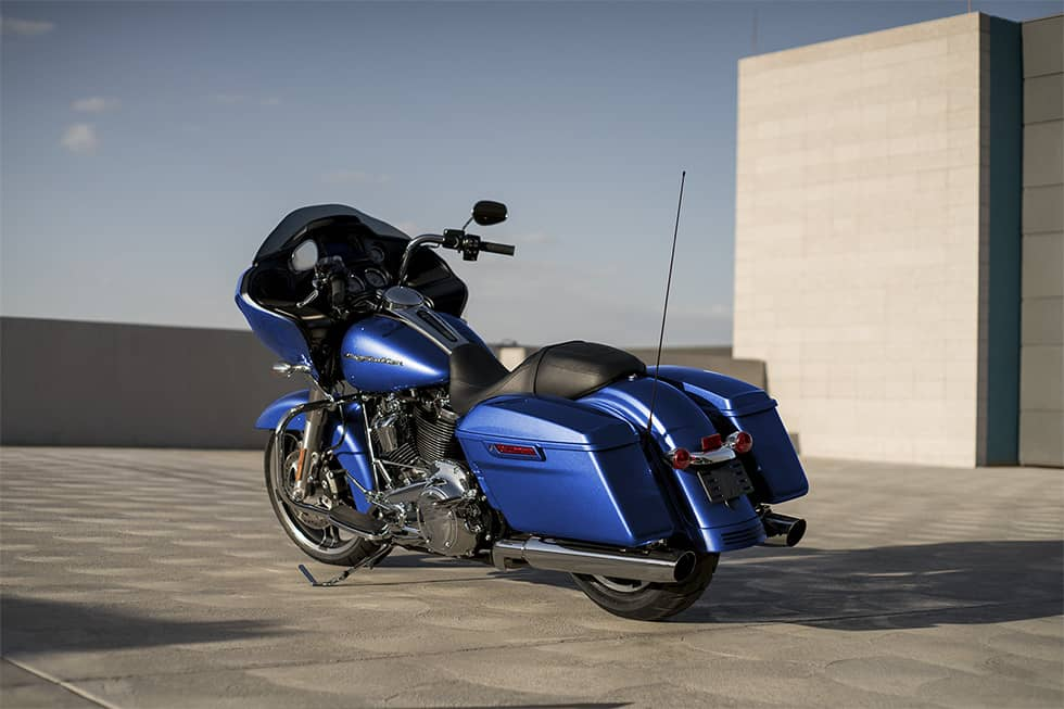 https://65e81151f52e248c552b-fe74cd567ea2f1228f846834bd67571e.ssl.cf1.rackcdn.com/TMC/2017/road-glide-special/gallery/17-hd-road-glide-special-6-large.jpg
