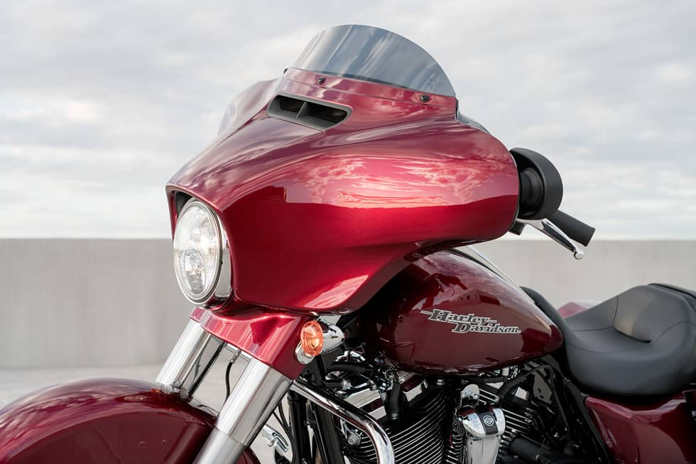 https://65e81151f52e248c552b-fe74cd567ea2f1228f846834bd67571e.ssl.cf1.rackcdn.com/TMC/2017/street-glide-special/gallery/17-hd-street-glide-special-9-large.jpg